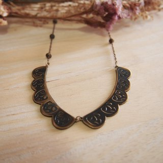 Lace pattern brass necklace