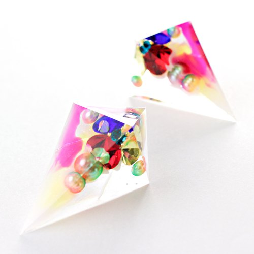 Sharp Pyramid Earrings (Traffic Light)