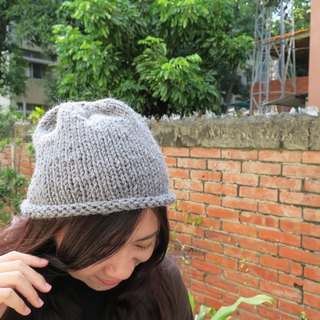 A mother's hand made hat - small curly hat / wool cap / - simple gray / Christmas / gift