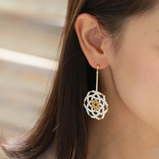 White - Daisy Flower Drop Earrings