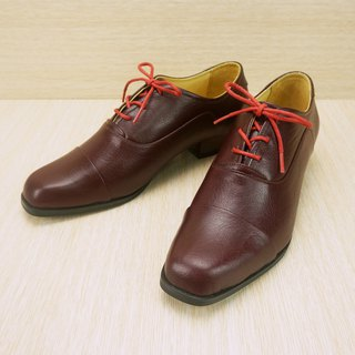 Square headdress Oxford shoes