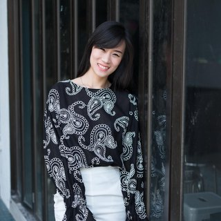 Paisley puffsleeve top