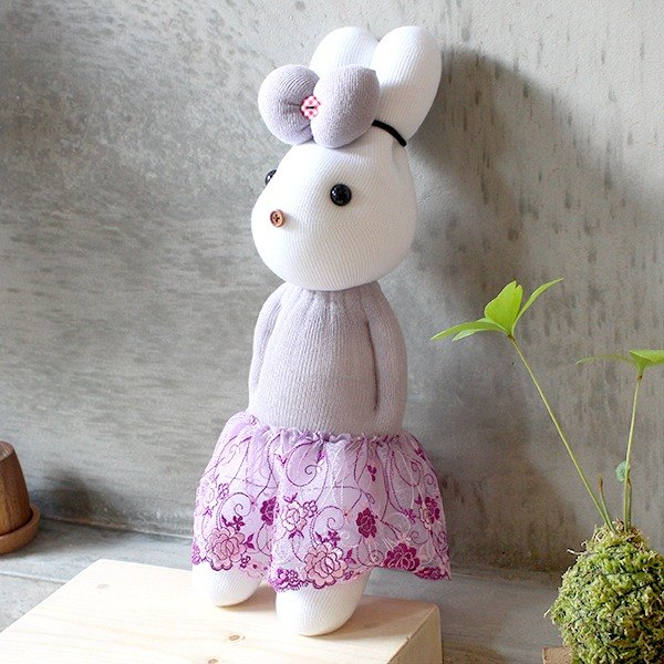 Handmade healing system - quiet and delicate (purple yarn female rabbit) design models