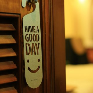 "[EyeDesign see design] a word door hanging ""HAVE A GOOD DAY:)"" D22"
