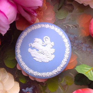 British bone china Wedgwood jasper blue jasper relief Greek mythology round jewelry box jewelry box
