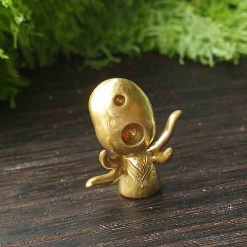 Singing Biao Biao Snapping Little Monster Brass Little Doll / Ornament / Gift