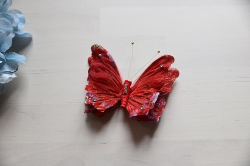 Hand-made Japanese-style butterfly hairpin red cloth for kimono dress