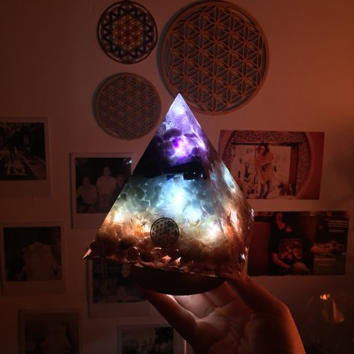 Orgonite Light Energy Tower Light - Eight Chakras