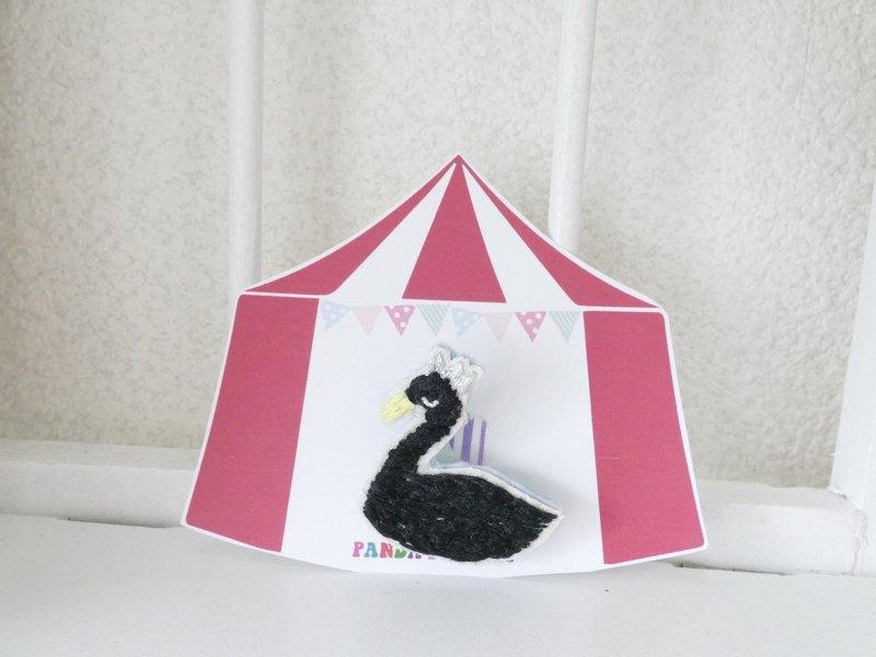 刺繡胸針黑鳥