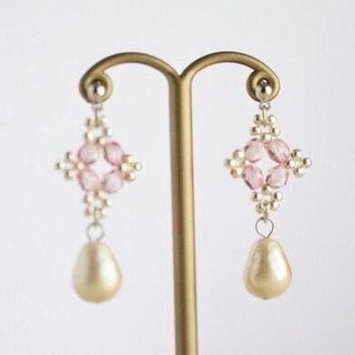 Beads lace and cotton pearl drops pierced earrings rose pink