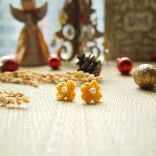 Hand-woven Japanese Lucky Clover bright yellow flowers earrings BE028