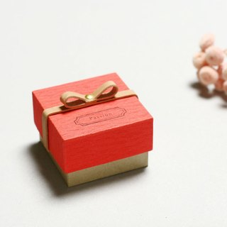 Passion // Red ) Giftbox Leather ribbon 気持ちを伝える小さな箱