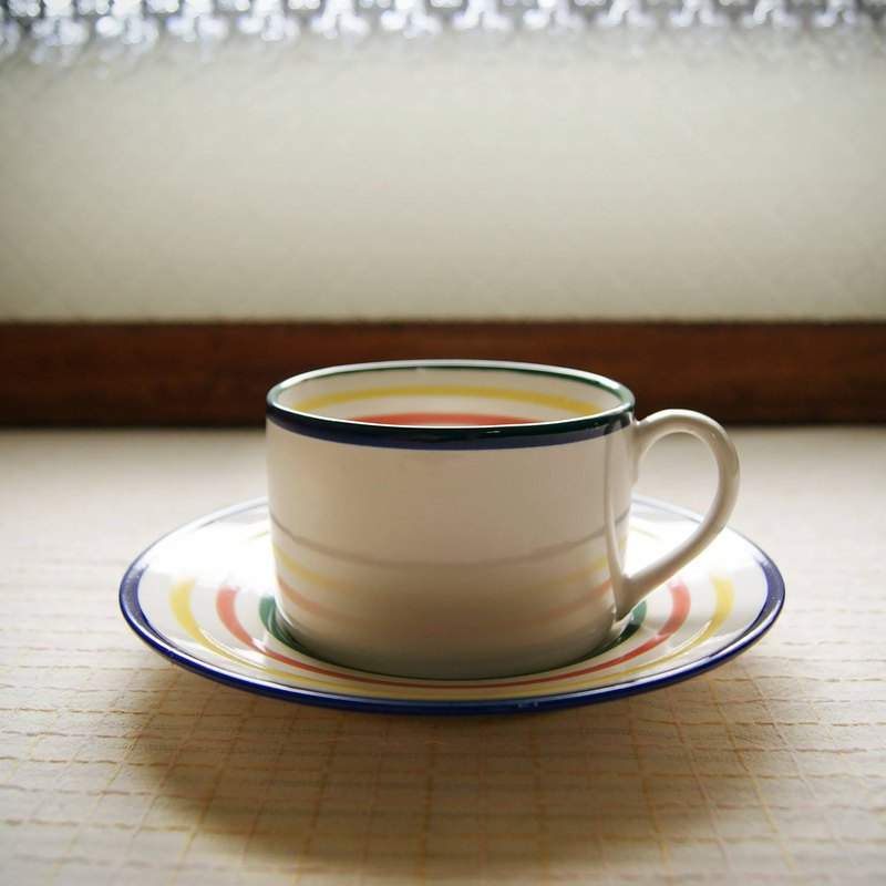 Simple color line cup and plate set