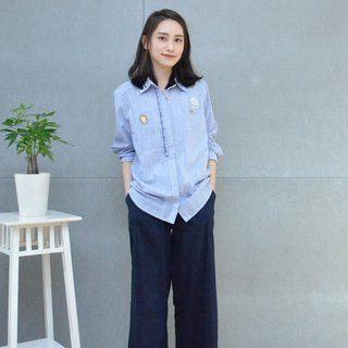 Embroidered fine-grained cropped sleeve shirt (blue)