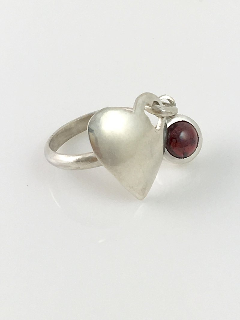 Natural Garnet Heart shape Sterling Silver Ring