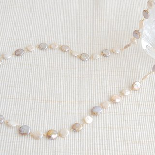 Two kinds of coin pearl necklace Move x White 14 kgf