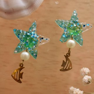 Cute & Beauty Adorable Green Clear Star Fish Resin with tiny Fish Stud Earrings