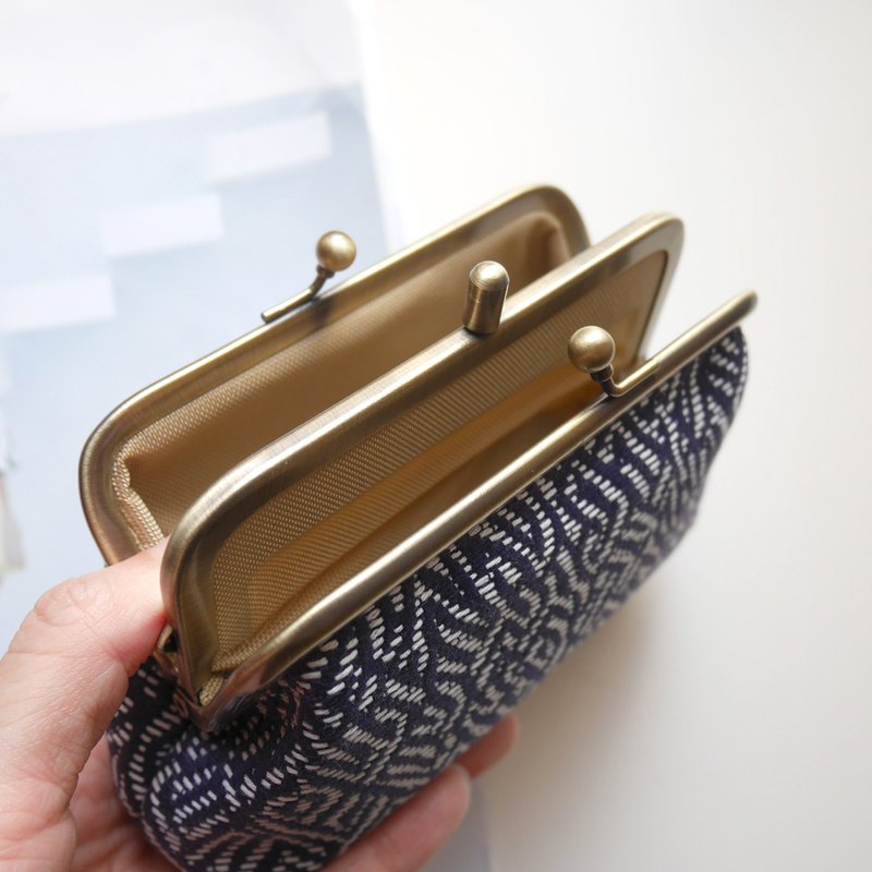 Blue の constraint two grid coin purse / mouth gold bag [made in Taiwan]