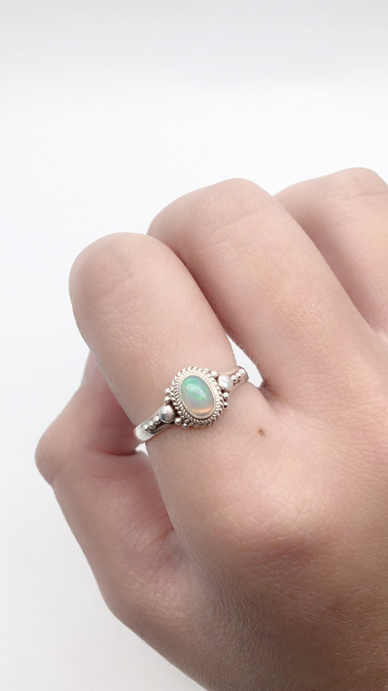 Opal 925 sterling silver elegant ring handmade inlaid in Nepal
