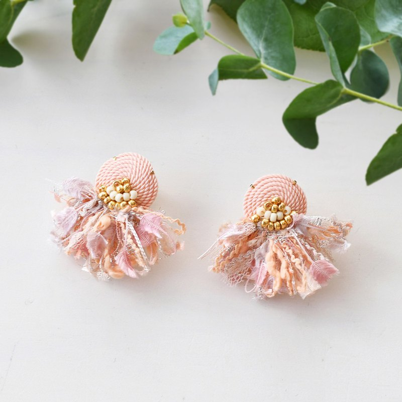 String tassel earrings /Pink