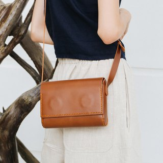 SUBMARINE-HANDMADE SMALL LEATHER SHOULDER BAG - LIGHT BROWN