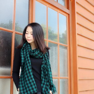 Black and green grid wrinkled wool scarf