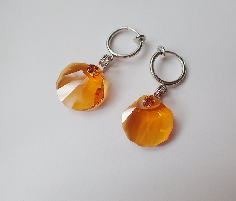 Lightup workshop - earrings with shell, SWAROVSKI ELEMENTS