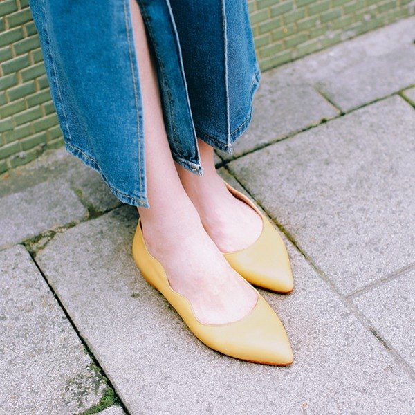Wide feet OK! Cloud small wave pointed shoes #Special dry color Cosmos yellow full leather MIT