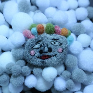 Rainbow head ugly-like wool felt brooch