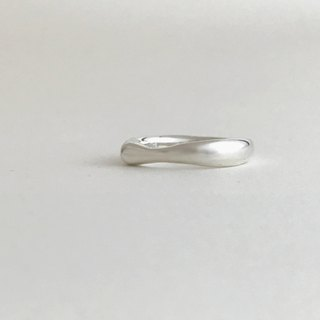 【Silver925】 Butter : ring This ring is Silver color.