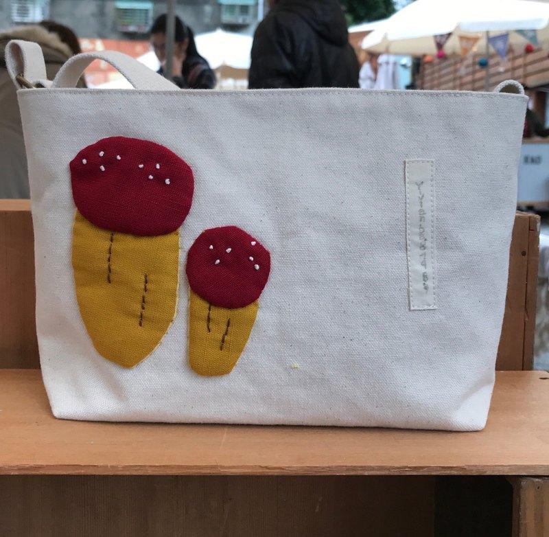 紅蘑菇斜背包