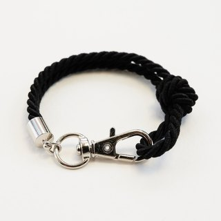 Silver clip bracelet in black color