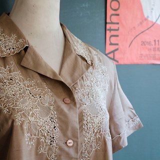 Chinese and Western style peony grape spider web brown hand-embroidered hollow silk shirt | vintage Wan Hao vintage
