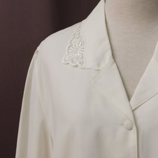 Vintage Japanese Elegant Small Flower Embroidery V Lapel White Long Sleeve Vintage Shirt Vintage Blouse