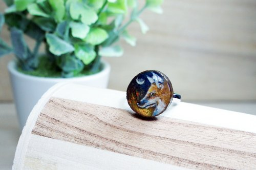 Hand-painted fox (Vulpes vulpes) Wood Ring