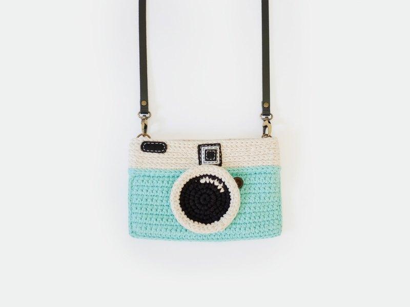 Crochet Vintage Camera Purse Mint Color