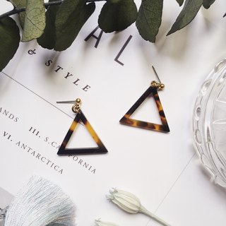 La Don - Stone Triangle Geometry - Amber Ear/Ear clip