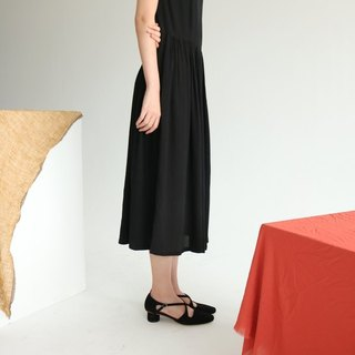 Rania Dress wrinkled silk black halter dress (can be customized other colors)