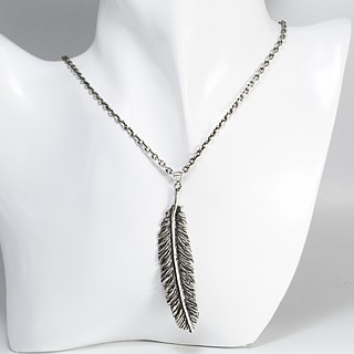 zo.craft feather necklace (large) Black money / 925 sterling silver