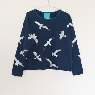 Seagull long sleeve crop top