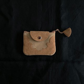 temple coin purse < camel >