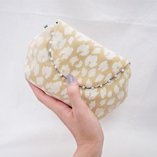 LEOPARD CLUTCH POUCH / smokey yellow