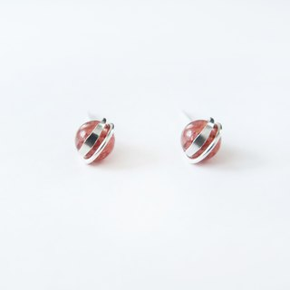 A pair of small and bright natural strawberry crystal earrings in 925 sterling silver