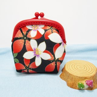 Safflower white flower / macarons frosted gold coin purse