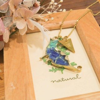Wing Wing Hand-made jewelry, brass inlay cat's daily glass necklace (Cebus sitting)