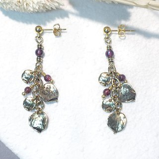 VIIART. Blossoms are rich and red. Vintage gold garnet earrings - can be clipped