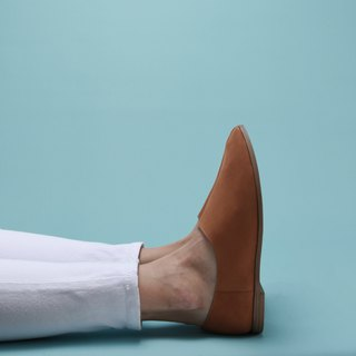 Pointy-toe Slippers | Light Tan