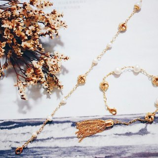 Gold Feast - Fringe Style - Natural Pearl Button Embellishment Fringe Bracelet
