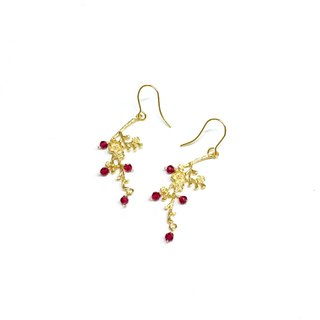 【autumn. Inflorescence] III. Mei Xiang. Red spinel. Hand made vintage earrings. Can change the ear clip.