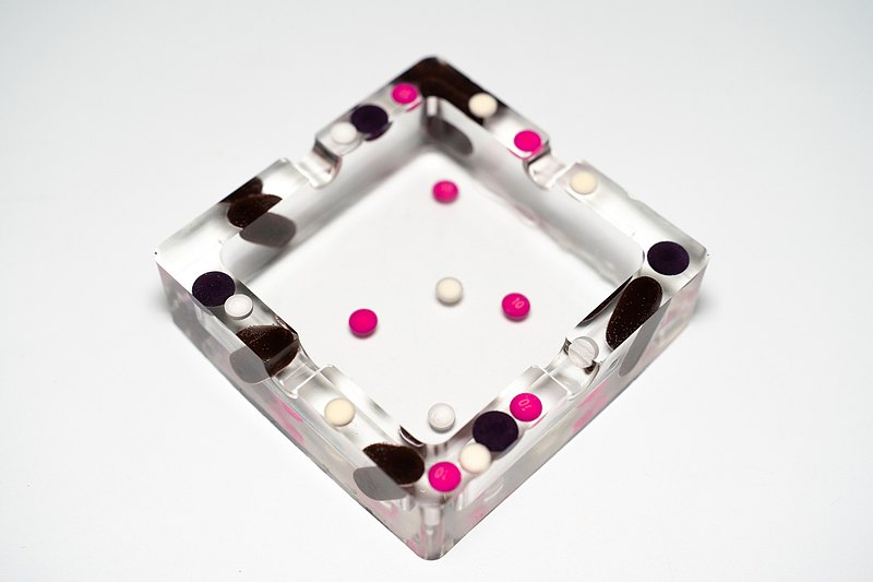 Pills Black Pink Pills Ashtray Candle Holder